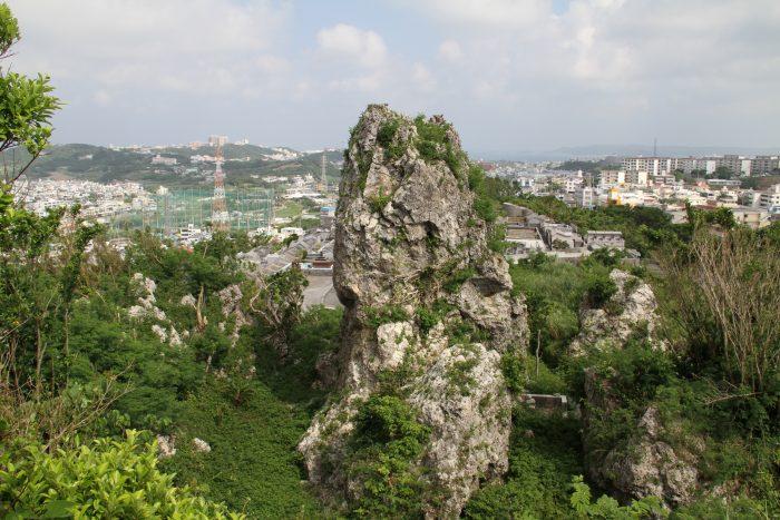 ワカリジー、沖縄戦の際には米軍からNeedle Rockと呼ばれていたらしい。