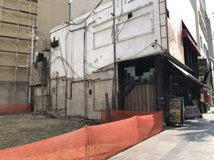 こ、ここはもしや、巨人のチョップが看板になってた店舗!? 変わりゆく沖縄。。 アーメン(・ω・)